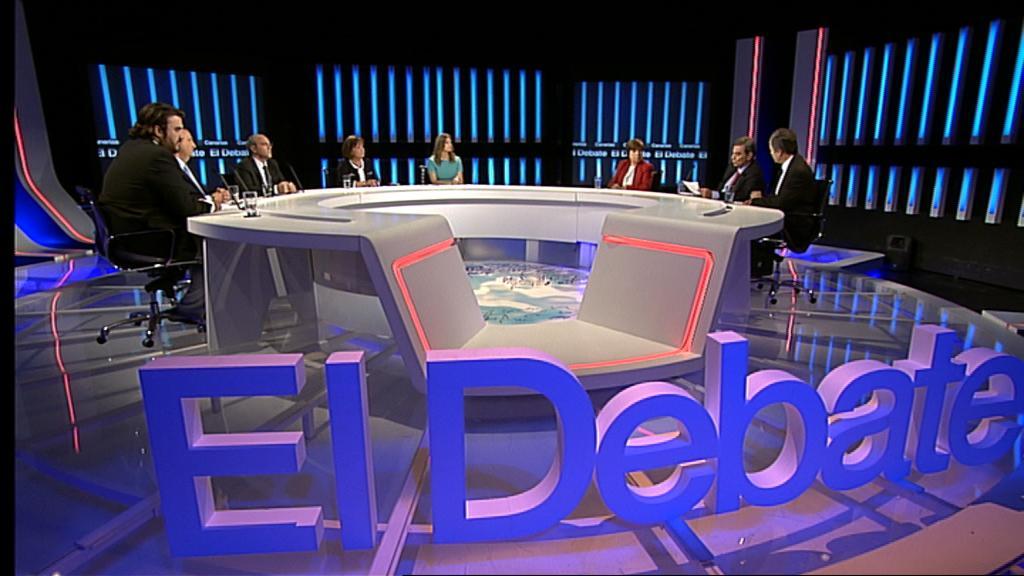 Letras corporeas con efecto luminoso en uno de los debates realizados en TVE